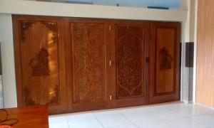 Pintu Lipat kayu ukiran